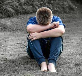 Μπουνταλιά! Οι γονείς κλείδωσαν το 8χρονο παιδί τους στην τουαλέτα & εξαφανίστηκαν - Ποιος άκουσε τις φωνές   - Κυρίως Φωτογραφία - Gallery - Video