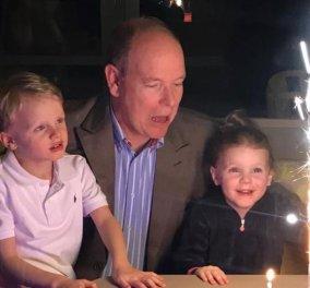 Happy Birthday Πρίγκιπα Αλβέρτο του Μονακό – Σβήνει τα κεράκια της τούρτας του με τα σισυμά του αγκαλιά (φωτό) - Κυρίως Φωτογραφία - Gallery - Video