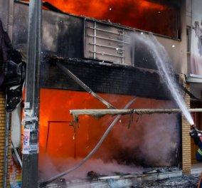 Μεγάλη πυρκαγιά στο Χαλάνδρι - Καταστράφηκε ολοσχερώς κατάστημα παιχνιδιών (φώτο-βίντεο) - Κυρίως Φωτογραφία - Gallery - Video