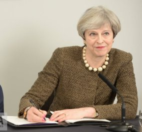 Τερέζα Μέι παραιτήσου - Έφτασες στο τέλος του δρόμου: Το άρθρο- έκκληση στην πρωθυπουργό να φύγει  - Κυρίως Φωτογραφία - Gallery - Video