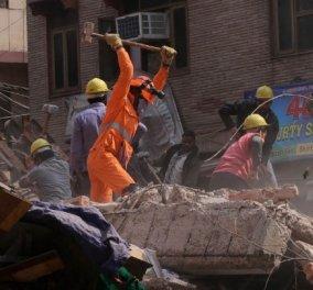 Ινδία: Σώθηκε από θαύμα! - Βγήκε ζωντανός από τα ερείπια  κτιρίου ύστερα από 62 ώρες (βίντεο) - Κυρίως Φωτογραφία - Gallery - Video