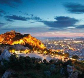 Ζωγραφίζει η Αθήνα καθώς πέφτει το φως της ημέρας – Μοναδική φωτογραφική λήψη! - Κυρίως Φωτογραφία - Gallery - Video