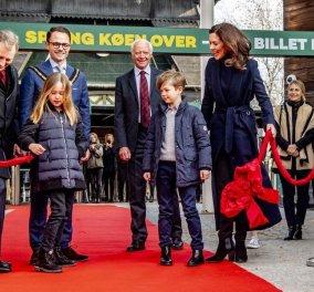 Πριγκιπόπουλα και βασιλοπούλες: Όλη η βασιλική οικογένεια της Δανίας υποδέχθηκε δύο κινέζικα Panda στο ζωολογικό κήπο (φώτο)  - Κυρίως Φωτογραφία - Gallery - Video