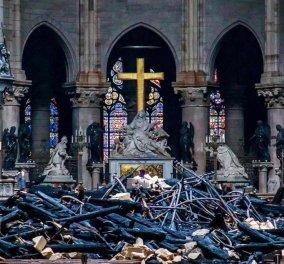 Φώτο από την επόμενη μέρα της πυρκαγιάς: Η Παναγία των Παρισίων - Κυρίως Φωτογραφία - Gallery - Video