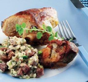 Αργυρώ Μπαρμπαρίγου: Λαµπριάτης, παραδοσιακή αιγαιοπελαγίτικη συνταγή για αρνί γεμιστό με διάφορα πατούδα - Το τέλειο φαγητό για όσους δεν θα σουβλίσουν - Κυρίως Φωτογραφία - Gallery - Video