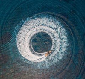 5 ονειρεμένες φωτογραφίες της Βουλιαγμένης τραβηγμένες με drοne από τον εξαιρετικό Κώστα Σπαθή - Κυρίως Φωτογραφία - Gallery - Video