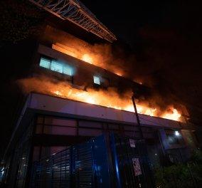 Παρίσι: Ισχυρή έκρηξη σε φλεγόμενο κτήριο προκάλεσε πανικό (βίντεο) - Κυρίως Φωτογραφία - Gallery - Video