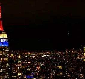 Το Εmpire State Building της Νέας Υόρκης στα χρώματα της γαλλικής σημαίας- Για την Παναγία των Παρισίων (φώτο) - Κυρίως Φωτογραφία - Gallery - Video