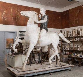 """Όταν ο Γιάννης Παππάς δημιουργούσε τον """"Μέγα Αλέξανδρο"""" - Δείτε την ιστορία & εκπληκτικές φωτογραφίες του αγάλματος  - Κυρίως Φωτογραφία - Gallery - Video"""