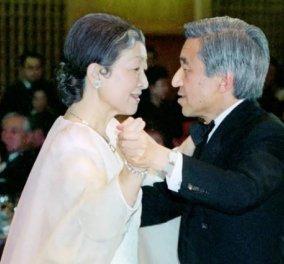 Φωτό άλμπουμ: Το αυτοκρατορικό ζεύγος της Ιαπωνίας που αποχωρεί αύριο μετά από 30 χρόνια στον θρόνο - Κυρίως Φωτογραφία - Gallery - Video