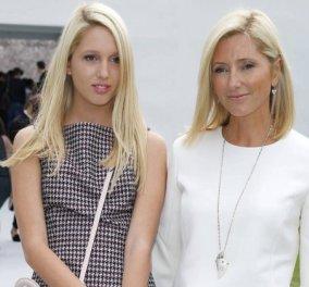 Η Μαρί – Σαντάλ πίνει καφέ με την κόρη της Ολυμπία, κάνοντας ένα διάλειμμα shopping  - Κυρίως Φωτογραφία - Gallery - Video