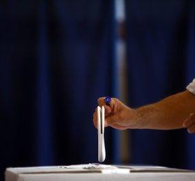 Παντελής Καψής: Όλα τα κόμματα έχουν την ανάγκη ενός φερετζέ - Κι ας μην το παραδέχονται, το δείχνουν τα ψηφοδέλτια - Κυρίως Φωτογραφία - Gallery - Video