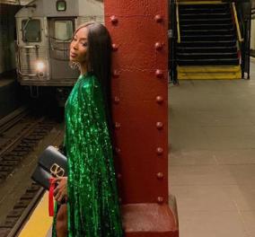 Η Ναόμι Κάμπελ στον υπόγειο της Νέας Υόρκης σε μια σέξι φωτογράφηση για τον Βαλεντίνο (φώτο-βίντεο) - Κυρίως Φωτογραφία - Gallery - Video