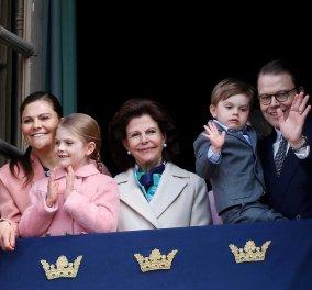 Κούκλες η πριγκίπισσα Βικτώρια & η κόρη της Εστέλ στα ροζ - Γιόρτασαν τα γενέθλια του βασιλιά της Σουηδίας Κάρολου - Γουστάβου (φώτο) - Κυρίως Φωτογραφία - Gallery - Video