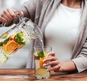 Η διατροφολόγος Κάλλια Γιαννιτσοπούλου δίνει πρωτότυπες ιδέες για να ενυδατωθείτε πίνοντας αρωματισμένο νερό - Κυρίως Φωτογραφία - Gallery - Video
