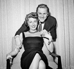 Love Story ετών 65 & τα μυστικά του: Ο γόης Κερκ Ντάγκλας 102 ετών & η 100 ετών σύζυγος του έκλεισαν 65 χρόνια γάμου (φώτο)  - Κυρίως Φωτογραφία - Gallery - Video