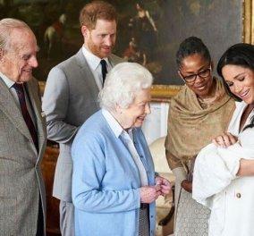 Η Βασίλισσα Ελισάβετ γνώρισε τον τέταρτο δισέγγονό της, Άρτσι, γιο της Μέγκαν και του πρίγκιπα Χάρι - Κυρίως Φωτογραφία - Gallery - Video