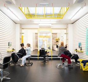 Το πιο πρωτότυπο κομμωτήριο του κόσμου βρίσκεται στο Λονδίνο - Έργα τέχνης αντί για καθρέφτες (φώτο) - Κυρίως Φωτογραφία - Gallery - Video