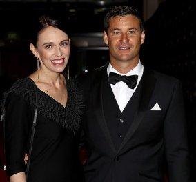 Αρραβωνιάστηκε η πρωθυπουργός της Νέας Ζηλανδίας, Τζασίντα Άρντερν΄- Δείτε το διαμαντένιο δαχτυλίδι της (φωτό)  - Κυρίως Φωτογραφία - Gallery - Video