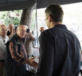 Σε στέκι ΣΥΡΙΖΑίων στο Παγκράτι ο Κυριάκος Μητσοτάκης - Οι χαλαρές στιγμές με τους δημοσιογράφους - Κυρίως Φωτογραφία - Gallery - Video