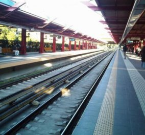 Μοσχάτο: Σκοτώθηκε 14χρονη πέφτοντας στις γραμμές του τρένου -  Το σπαρακτικό σημείωμα της - Κυρίως Φωτογραφία - Gallery - Video