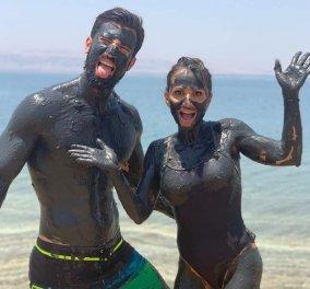 Ηλίας Γκότσης – Σόφη Πασχάλη, το ζευγάρι μέσα στη λάσπη: Απολαμβάνουν το περιπετειώδες ταξίδι τους στην Ιορδανία - Κυρίως Φωτογραφία - Gallery - Video