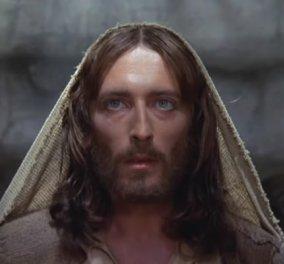 Ρόμπερτ Πάουελ: Στην Ελλάδα ο ηθοποιός που υποδύθηκε τον Χριστό στην ταινία «O Ιησούς από τη Ναζαρέτ» (ΦΩΤΌ) - Κυρίως Φωτογραφία - Gallery - Video