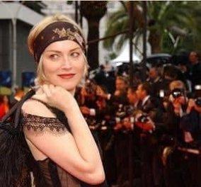 Η γυναίκα «Βασικό Ένστικτο» Sharon Stone στα 61 της σε εξώφυλλο με τα οπίσθια της σε πλήρη θέα (φωτό) - Κυρίως Φωτογραφία - Gallery - Video