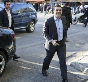 Στην Κουμουνδούρου ο Αλέξης Τσίπρας - Συνεδριάζει η πολιτική γραμματεία του ΣΥΡΙΖΑ  - Κυρίως Φωτογραφία - Gallery - Video