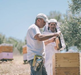 Αποκλειστικό – Made in Greece το μέλι Ermionis της Οικογένειας Μπαϊρακτάρη: Φυσικό & ανεπεξέργαστο με ελληνικά βότανα & ένα μοναδικό πατενταρισμένο μελόξυδο – Έκπληξη το Μουσείο Μελιού! - Κυρίως Φωτογραφία - Gallery - Video