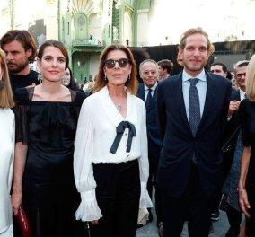 """Ο οίκος  Chanel διοργάνωσε """"πάρτι"""" στη μνήμη του Λάγκερφελντ: Πριγκίπισσες του Μονακό - Η πρώτη κυρία Μακρόν & ηθοποιοί έλαμψαν πλάι στα μοντέλα (φώτο) - Κυρίως Φωτογραφία - Gallery - Video"""