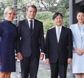 Με το νέο αυτοκράτορα της Ιαπωνίας ο Εμμανουέλ Μακρόν & η Μπριζίτ - Τα μίνιμαλ outfits της αυτοκράτειρας και της πρώτης κυρίας (φώτο) - Κυρίως Φωτογραφία - Gallery - Video