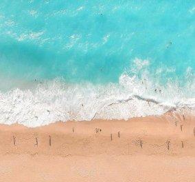 Κάθισμα: Η μαγευτική παραλία της Λευκάδας σε μία μοναδική φωτογραφική λήψη από τον Κώστα Σπαθή - Κυρίως Φωτογραφία - Gallery - Video