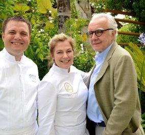 Η εκπληκτική Ντίνα Νικολάου μαγείρεψε με το μύθο της γαστρονομίας Alain Ducasse στο συγκλονιστικό «ÔMER» του Μονακό - Το δώρο που συγκίνησε τον διάσημο σεφ  (φώτο)   - Κυρίως Φωτογραφία - Gallery - Video