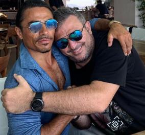 Συνάντηση κορυφής: Όταν ο Ρέμος έκανε αγκαλιές στην Μύκονο με τον Τούρκο μάγο – σεφ Salt Bae - Κυρίως Φωτογραφία - Gallery - Video