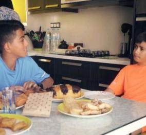 Ξεκαρδιστικοί διάλογοι στο βίντεο για τον Ημιμαραθώνιο Κρήτης - Οι μικροί Αλέξης & Κυριάκος κονταροχτυπιούνται σε προεκλογικό τόνο! - Κυρίως Φωτογραφία - Gallery - Video