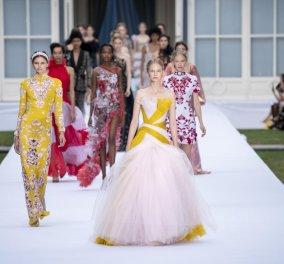 Το εντυπωσιακό ντεφιλέ του οίκου Ralph & Russo στο Παρίσι - Υπέροχα φορέματα - εκθαμβωτικά σύνολα (φώτο) - Κυρίως Φωτογραφία - Gallery - Video