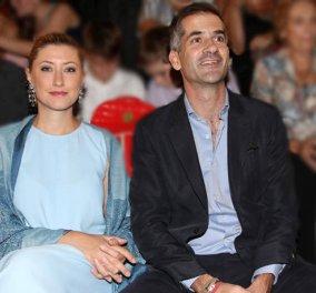 Κουμπάροι έγιναν ο Κώστας Μπακογιάννης και η Σία Κοσσιώνη – Πάντρεψαν φιλικό τους ζευγάρι (φωτό) - Κυρίως Φωτογραφία - Gallery - Video