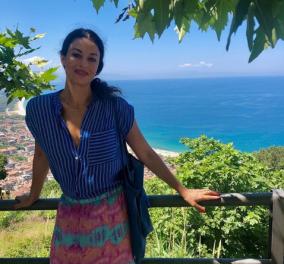 Δωροθέα Μερκούρη: Στη Δήλο με μακρύ με μακρύ φόρεμα σαν Ελληνίδα θεά (φωτό) - Κυρίως Φωτογραφία - Gallery - Video