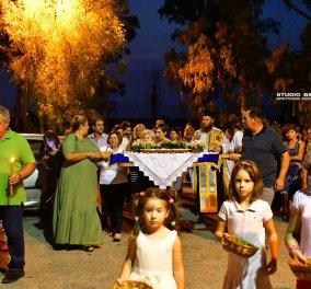 Ατμοσφαιρικές φωτογραφίες μας έστειλε το Ναύπλιο από την κατανυκτική περιφορά του Επιταφίου της Παναγίας με χρώμα από τα Επτάνησα    - Κυρίως Φωτογραφία - Gallery - Video