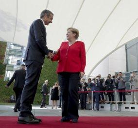 Μητσοτάκης – Μέρκελ στο Βερολίνο: Πρώτα η αξιοπιστία και μετά συζήτηση για τα πλεονάσματα (φωτό & βίντεο) - Κυρίως Φωτογραφία - Gallery - Video