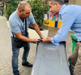 Στο Παρίσι για ''βρώμικη'' δουλειά ο Κώστας Μπακογιάννης  - Σεμινάριο για την αποκομιδή σκουπιδιών και καθαριότητας (φωτό) - Κυρίως Φωτογραφία - Gallery - Video