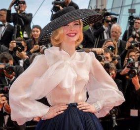 Ελ Φανινγκ: Μας κατέπληξε στη νέα ταινία του Γούντι Άλεν - Ντύνεται σαν Πριγκίπισσα - Θα γίνει η νέα Σκάρλετ Γιόχανσον; (φωτό) - Κυρίως Φωτογραφία - Gallery - Video