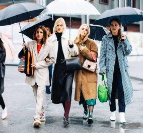 Εκπληκτικό Street Style - 40 φώτο: Πως θα παραμείνετε σικ ακόμα κι όταν βρέχει - Οι Γαλλίδες ξέρουν - Ειδικά όταν πάνε να δουν επιδείξεις μόδας  - Κυρίως Φωτογραφία - Gallery - Video