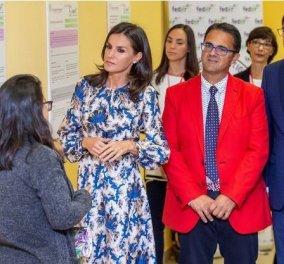 Με φλόραλ μπλε φόρεμα Sandro εμφανίστηκε εμφανίστηκε αυτή την εβδομάδα η βασίλισσα Λετίσια & εντυπωσίασε με το στυλ & τη φινέτσα της (φώτο) - Κυρίως Φωτογραφία - Gallery - Video