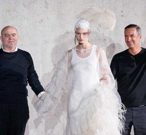 Δύο μεγάλα ονόματα της μόδας ένωσαν τις δυνάμεις τους - Dries Van Noten & Christian Lacroix σε μια φανταστική επίδειξη στο Παρίσι (φώτο) - Κυρίως Φωτογραφία - Gallery - Video