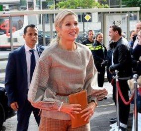 """Η βασίλισσα Μάξιμα φοράει το απόλυτο """"trend"""" της σεζόν & εντυπωσιάζει: Εκθαμβωτική με υπέρκομψο καρώ κουστούμι (φώτο) - Κυρίως Φωτογραφία - Gallery - Video"""