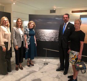 Αποκλειστικό: Η Μαρέβα Μητσοτάκη επισκέφθηκε την έκθεση φωτογραφιών του Πρίγκιπα Νικόλαου μαζί με την Μ. Βαρδινογιάννη, στο Μουσείο Ισλαμικής τέχνης  - Κυρίως Φωτογραφία - Gallery - Video