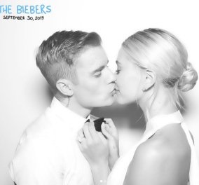 Happily Married: Ο Τζάστιν Μπίμπερ και η Χέιλι ενώθηκαν ξανά με τα ιερά δεσμά του γάμου – Το οικολογικό νυφικό, οι καλεσμένοι και το… ξέφρενο πάρτι (φωτό) - Κυρίως Φωτογραφία - Gallery - Video