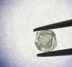 Ρωσία: Εξορύχθηκε το πρώτο διπλό διαμάντι-μήτρα ηλικίας 800 εκατ. ετών - Δείτε φωτό  - Κυρίως Φωτογραφία - Gallery - Video